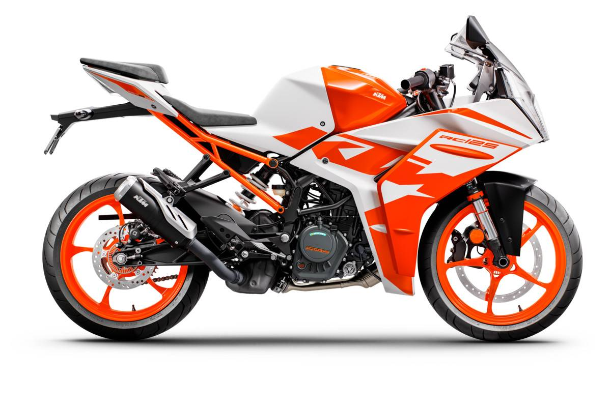 KTM LYON 394400_RC125_WHITE_MY22_90-Right